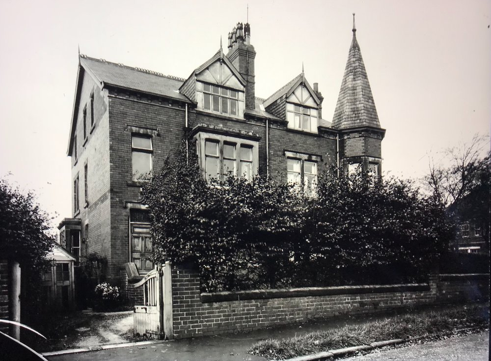 2 Darnley Road (J.R Tolkien lived here in the 1920s)