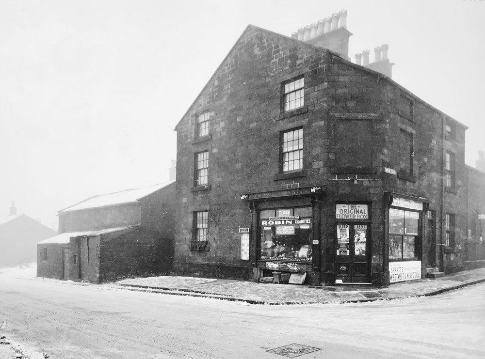 Weetwood Lane / Moor Road