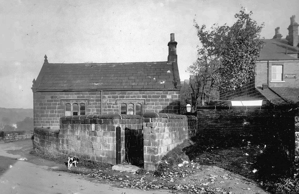 Weetwood Lane / Hollin Lane