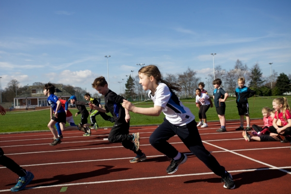 LBU sport acad track A150407-1_sportscamps_057.jpg