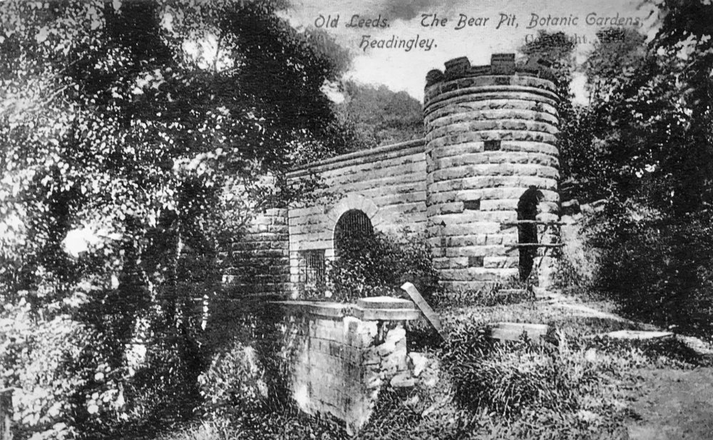 The Bear Pit, installed in the Gardens, 1841
