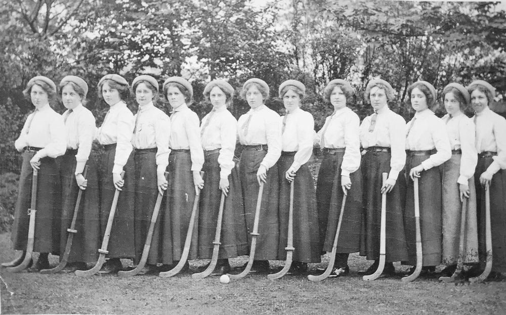 Women's hockey team, c1912