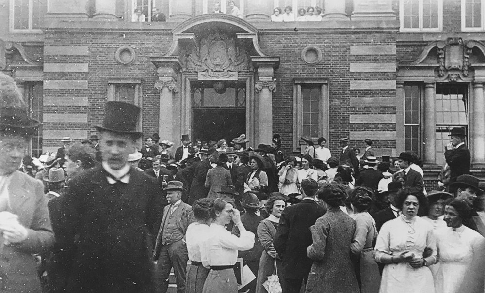 People attending official opening ceremonies, 1913