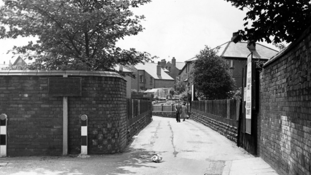 St Michael's Lane bridge over railway