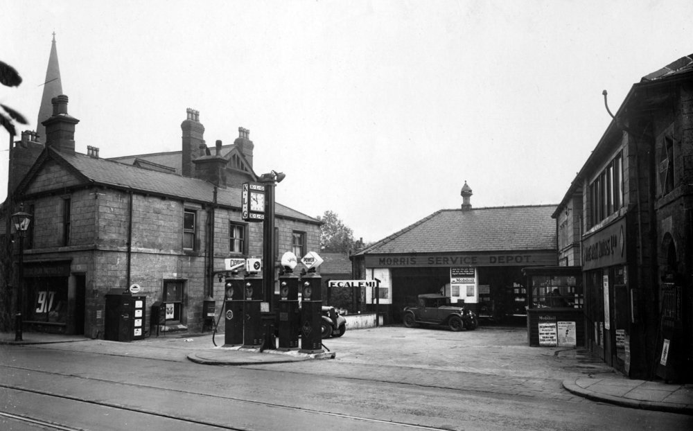 Hyde Park Motors, Headingley Lane, 1935