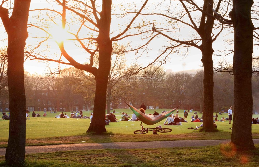 Woodhouse Moor, by Hyde Park Corner © JHJ