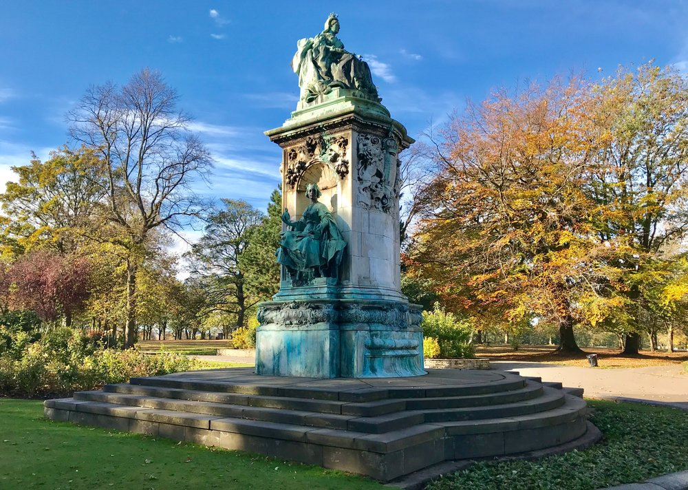 Queen Victoria Statue, Woodhouse Moor © HP