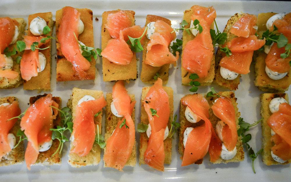 tostadas de salmon.jpg