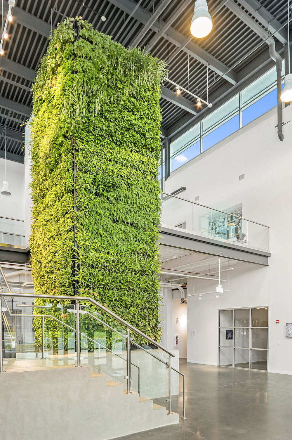 Plant column by Suite Plants