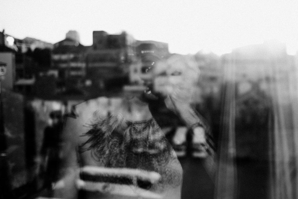 El-Hombre-Ciervo-Window.jpg