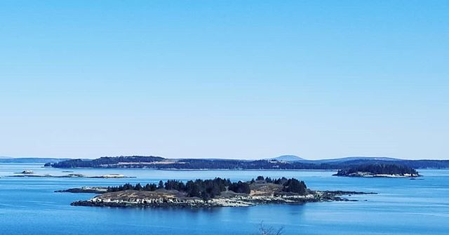 Working outside  never looked so good! Just another day; on an island admiring other islands!! What a view! Looking to the east in Penobscot Bay at Butter, Great Spruce Head, Eagle, and many more stunning islands! . . . . . #mainelife #northhavenmaine #islandlife #mainemakers #thewaylifeshouldbe #theartofslowliving #designermaker #tasteofhome #makerslife #creativityfound #lovemaine #scenesofmaine #livesimply #themaineway #saltair #vista #getoutside  #maine #instagood #igersmaine #livemaine #island #mainecoast #vacationland