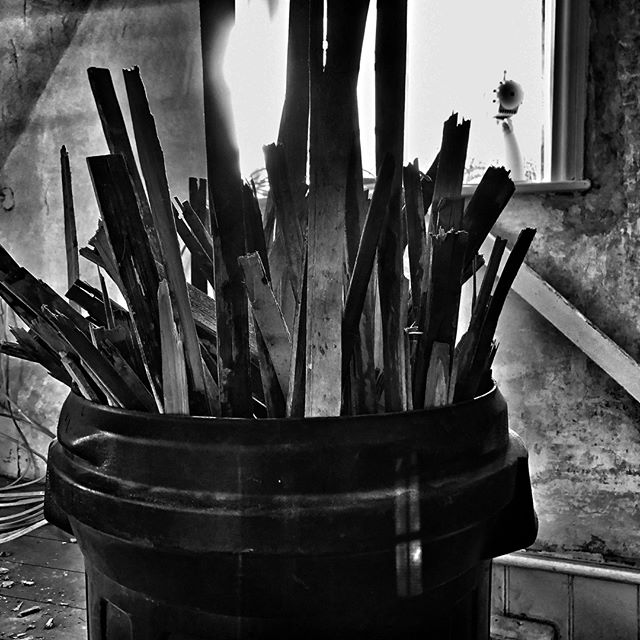 Lathes ready to be recycled.⠀ I won't say as what.⠀ .⠀ .⠀ .⠀ #restoration #recycling #latheandplaster⠀  #authorlife #authorsofinstagram #author #noir_shots #blackandwhite #simple #simplicity #minimalism #minimalist #creativity #iphoneblackandwhitephotography #creativity #noir #iphone #iphonecamera #iphonephotgraphy #smartphone #smartphonephotography