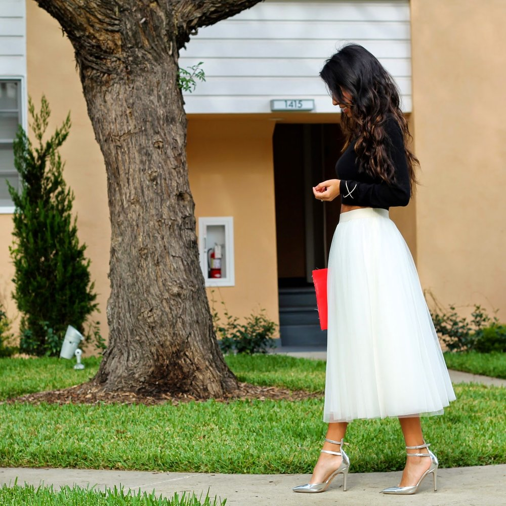 3a204f88af what to wear for Christmas, Holiday Style, Tulle Skirt, Ballerina Skirt  Outfit