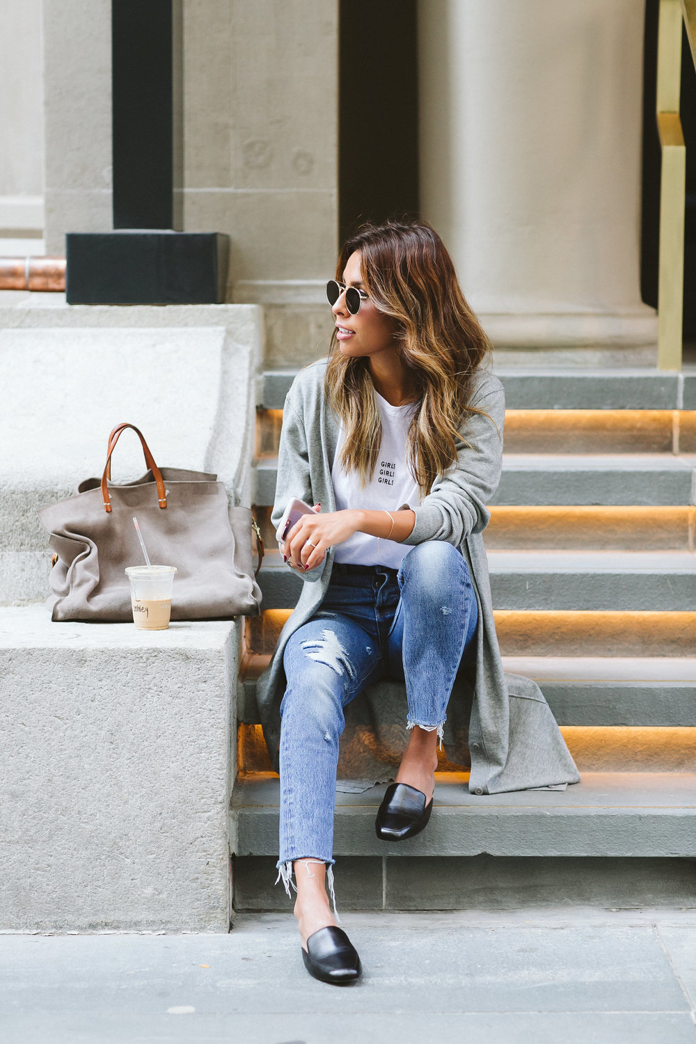 what to wear to transition to fall, slides with jeans