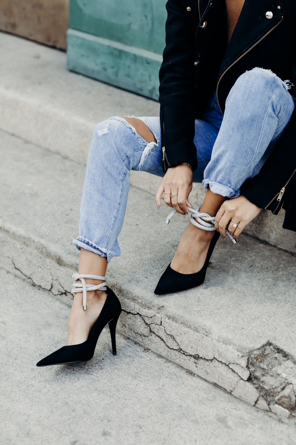 casual holiday look, zara diamond heels, holiday style, citizens of humanity jeans