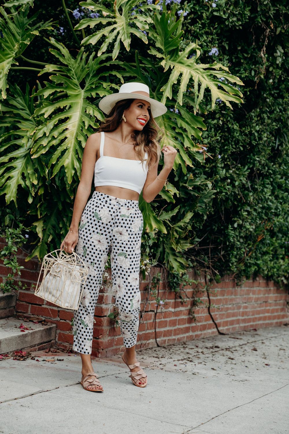 Honeymoon outfit ideas - Belize + Mexico - Sensi Panama Hat - KAANAS Bow sandals