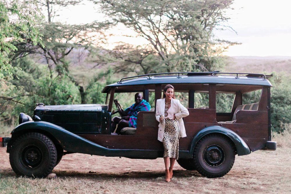 What to wear on Safari - Glam Leopard Skirt + Silk Blazer Outfit. Ph. Valorie Darling