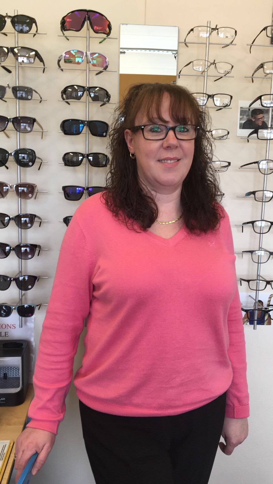 Helen   Senior Optical Assistant  Helen has worked in optics since 1997. She also worked at Dollond and Aitchinson for 9 years and has been woking for  SightDirect  since 2005. Helen loves talking to customers so make sure you have time to chat.