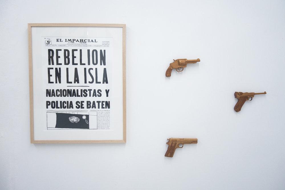 """Mónica Rodríguez / Arsenal Rodante, 2014 /  esculturas hechas en madera de Maga  / El Imparcial 31 oct 1950, 2014 /Carbón sobre papel / 19"""" x 25"""""""