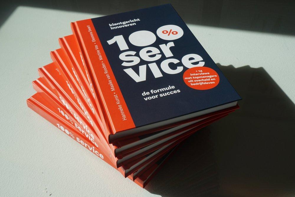Het boek 100% service, de formule voor succes