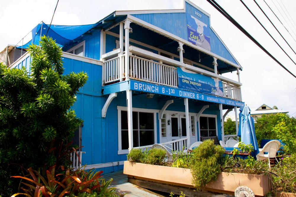 Literary Travel Guide: Kauai   Bookish places to eat