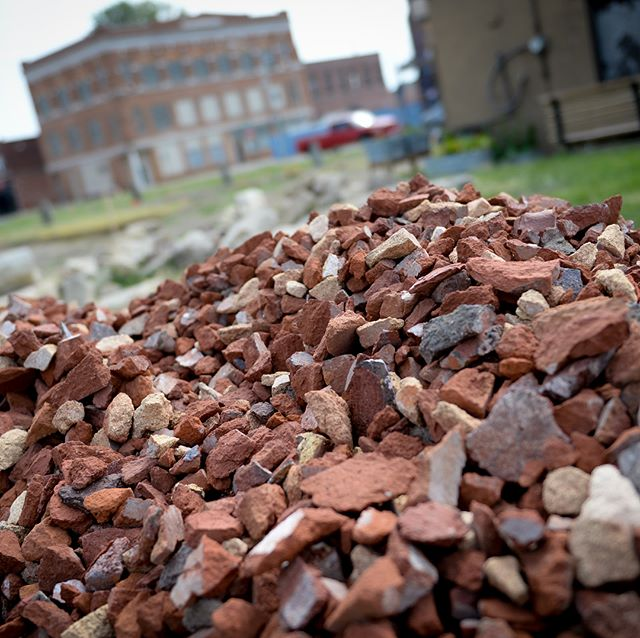 For their project, @1800_g_cadd crumbled the bricks from the #awayawaystl site to integrate into the development of their community table. #brickcity