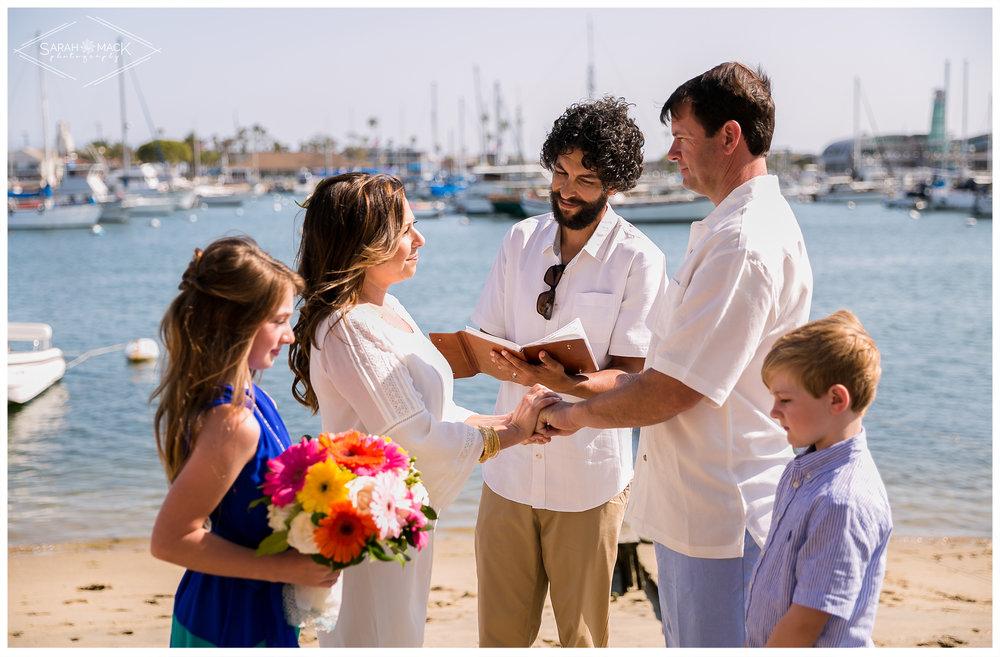 AD-Lido-Island-Newport-Beach-Intimate-Wedding-Photography-18.jpg