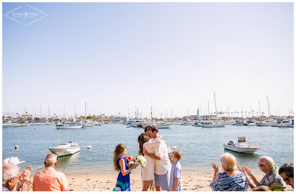 AD-Lido-Island-Newport-Beach-Intimate-Wedding-Photography-19.jpg