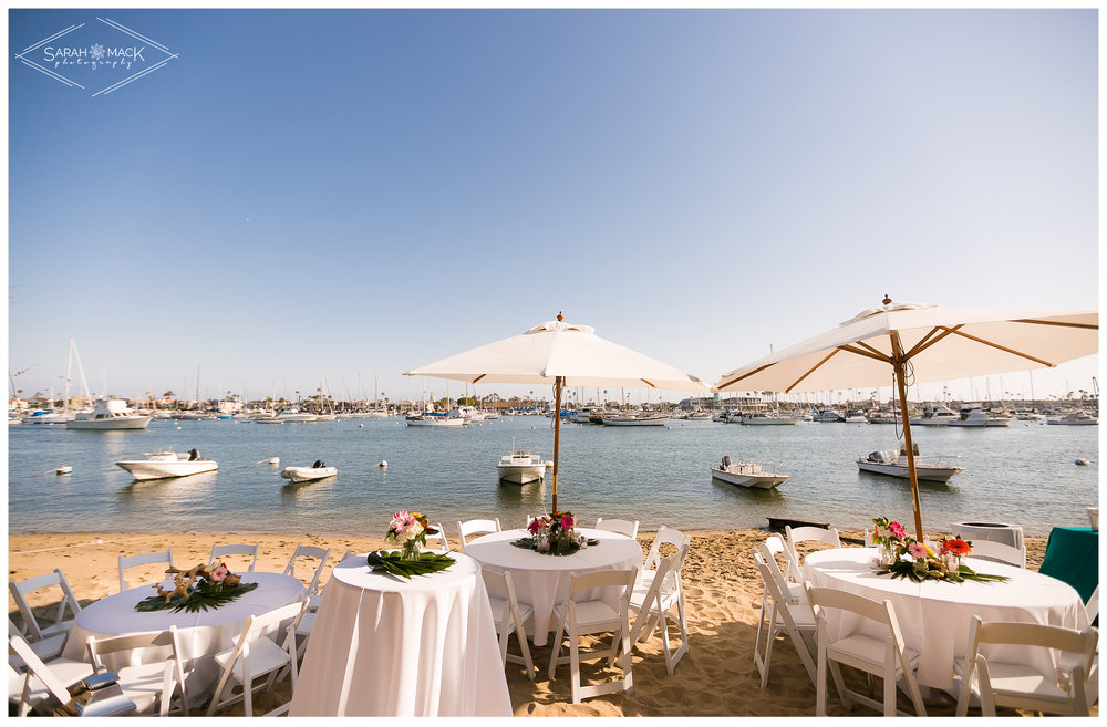 AD-Lido-Island-Newport-Beach-Intimate-Wedding-Photography-25.jpg
