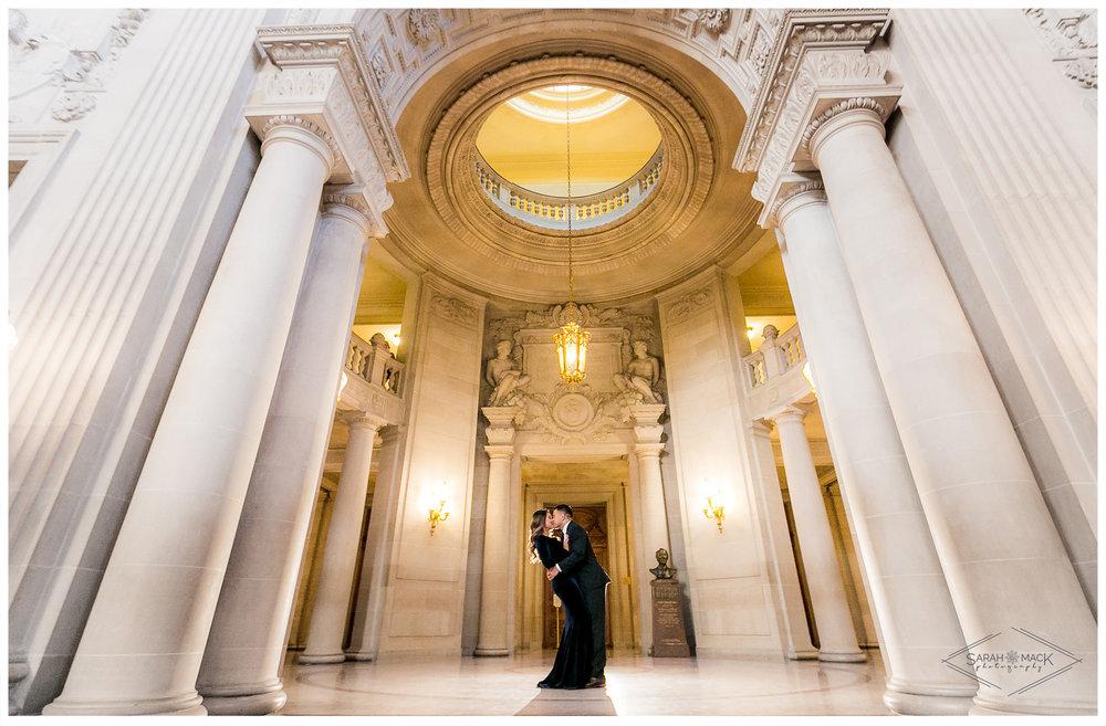 San-Francisco-City-Hall-PhotographySan-Francisco-City-Hall-Wedding-Photography