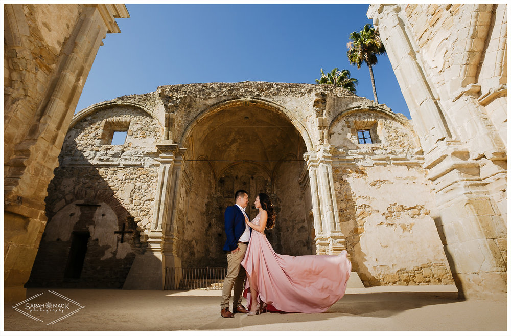 CJ-Mission-San-Juan-Capistrano-Engagement-Photography-1.jpg