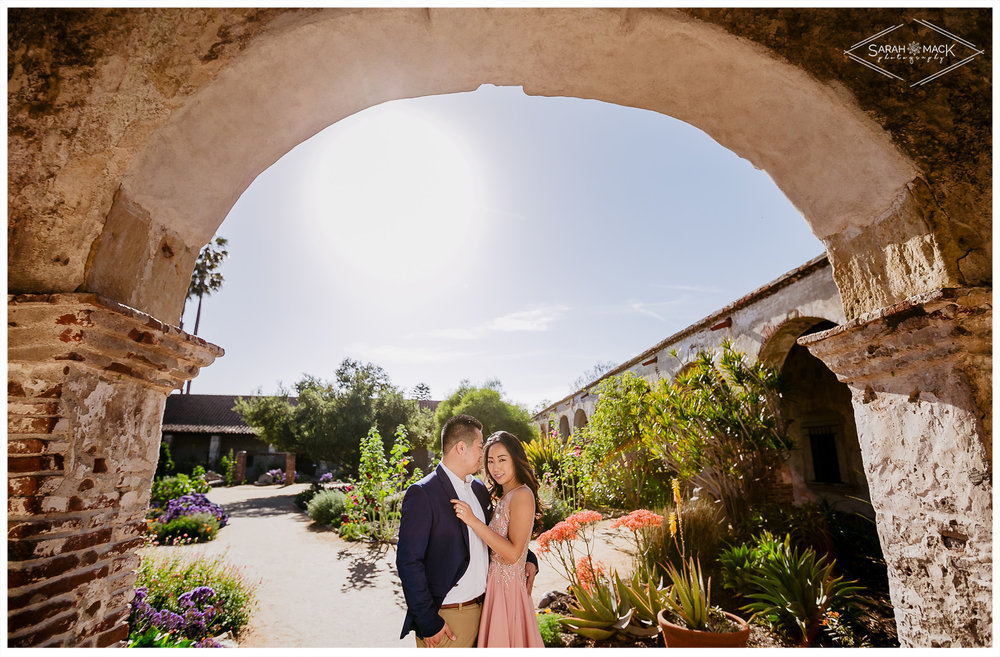 CJ-Mission-San-Juan-Capistrano-Engagement-Photography-13.jpg