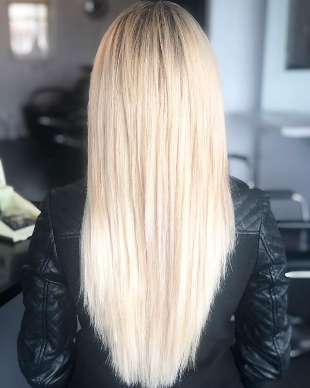 How perfect is this match? Can you even tell that this client has a full head of extensions? Hair care is super important to us, not only do we want you to love your hair but we want to keep it healthy too. The wrong type of extensions can be extremely damaging to your hair!! Which is why we offer free a consultation to our clients prior to any of our extension service so that we can come up with the most effective yet safe service for your hair. Edie did an amazing job with this client. #extensions #hair #hairstyles #womenshair #newlook #blonde
