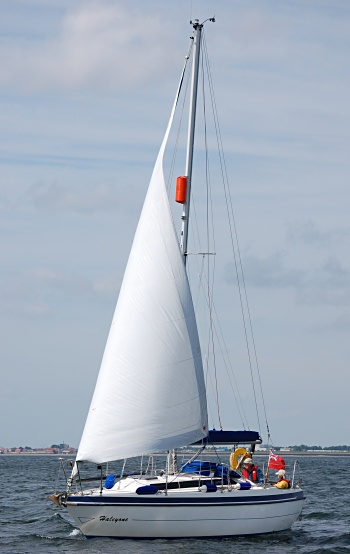 leisure-27sl-sailing.jpg