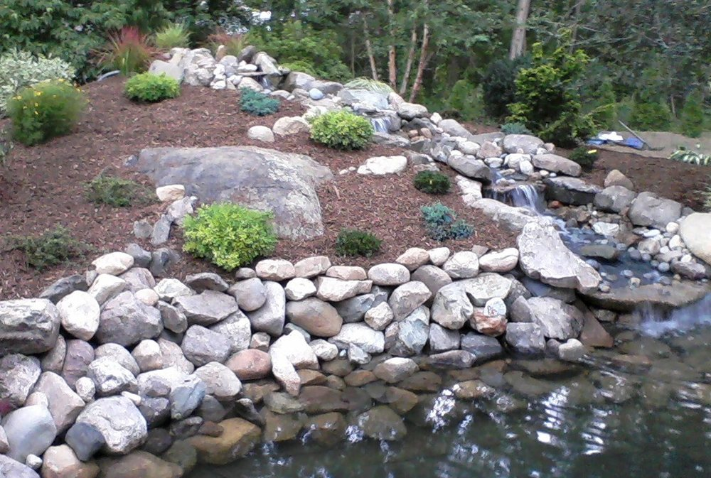 Norfolk Massachusetts best landscaping ideas for water features