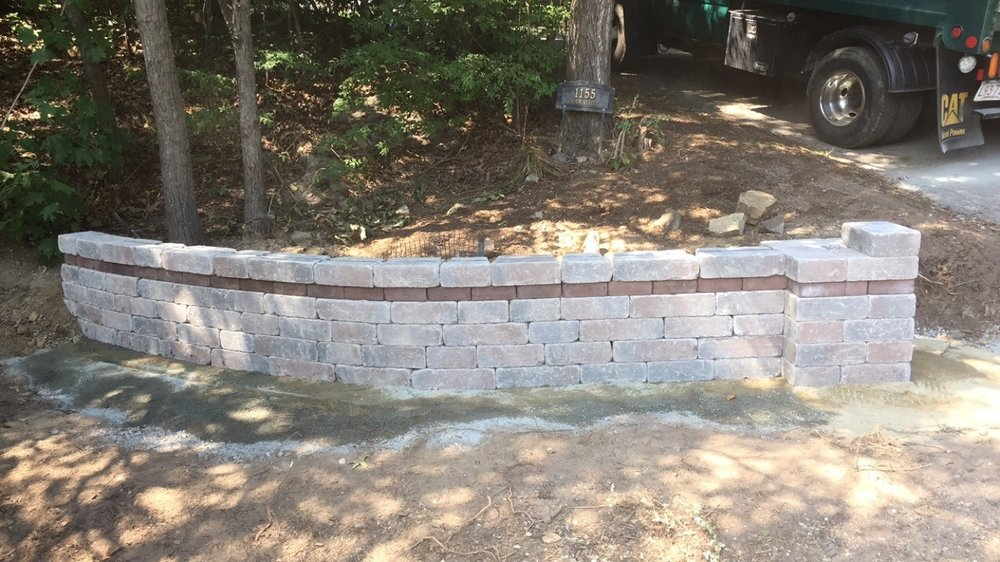 Experienced retaining wall builders in Chestnut Hill Massachusetts