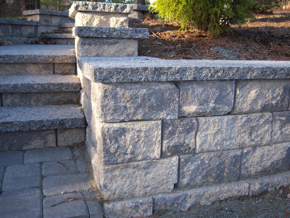 3 Ways to Use Retaining Walls in Your Needham, MA Backyard Design