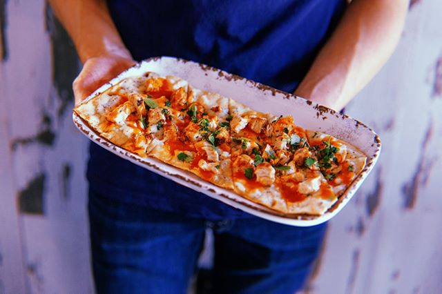 Serious Question: When at Buffalo's, you're basically required to order the Buffalo Chicken Flat Bread, right?    #buffaloscafe #buffalochicken #lunchtime #nomnom #eeeeeats #spoonfeed #forkyeah #heresmyfood #buzzfeast #atleats #Georgiarestaurants