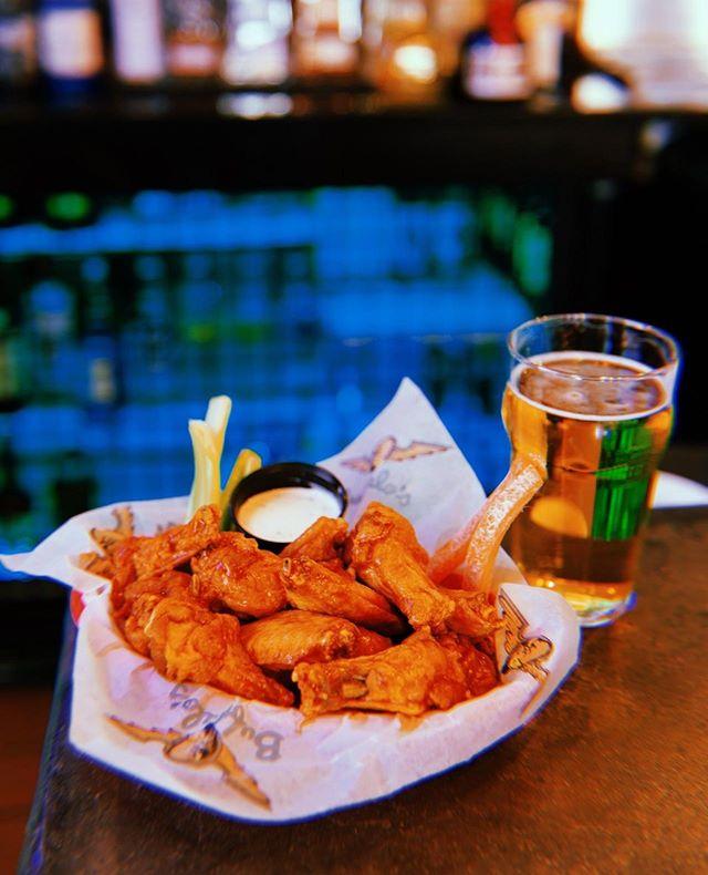 Thirsty Thursday in full effect. 🙌🙌🙌 #buffaloscafe #chickenwings #GeorgiaFood #eateratlanta #atlantarestaurants #RomeGeorgia #Oakwood #Acworth #Loganville #HamiltonMill