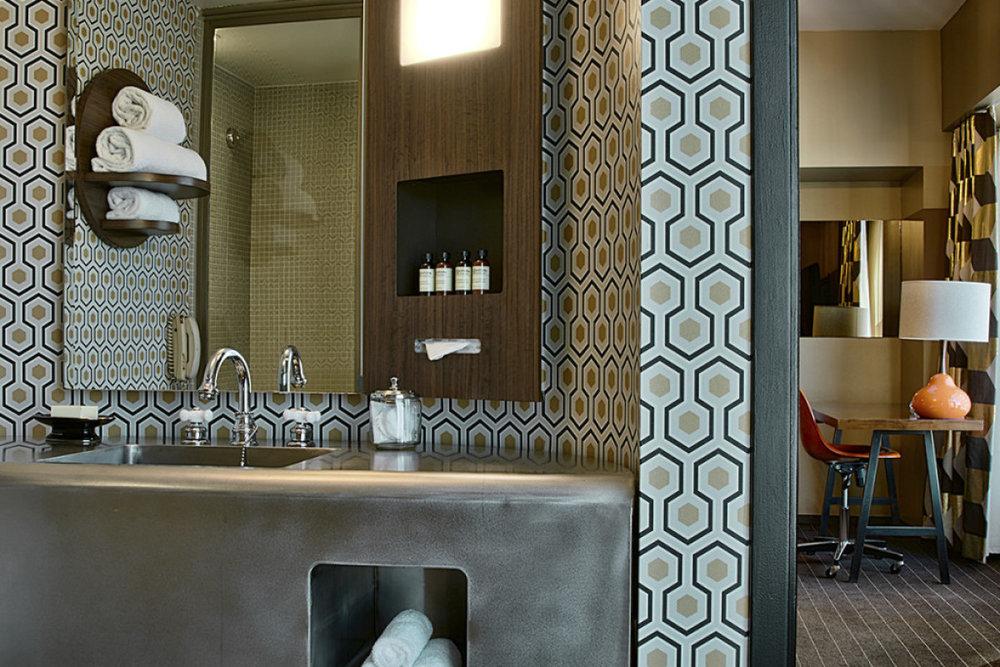 824_bathroom-1024x717-1200x800-c-default.jpg