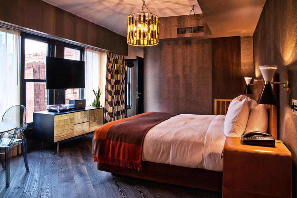 Roxy-Hotel-Deluxe-Suite-low-res-1024x684-1200x800-c-default.jpg