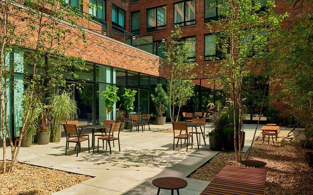 1600x1000-arlo-hudsonsq-courtyard.jpg
