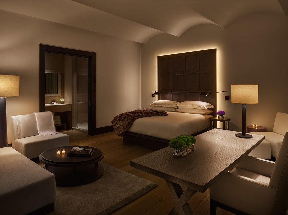 Park-Suite-Bedroom-1870x1400-1.jpg