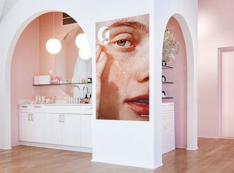 GLOSSIER SHOWROOM. - NEW YORK