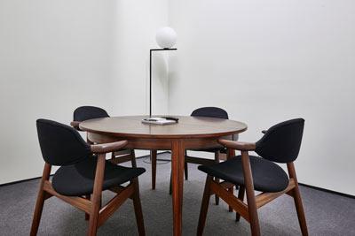 cover-facilities-collaborative-cabinetroom11.jpg