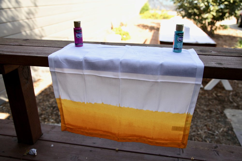 DIY OMBRE NAPKINS - Here's how to make 'em…