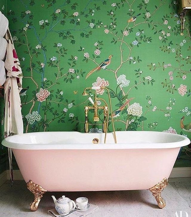 ready for the weekend like... 🛁 (gorgeous photo from @archdigest)