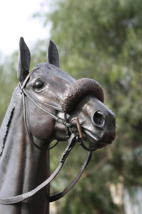 horse-statue-bronze-sculpture-john-henry