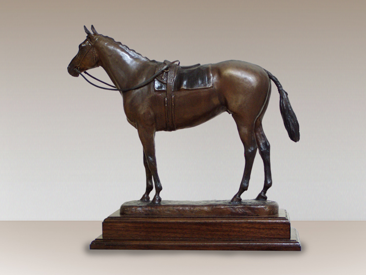 seabiscuit-bronzed-horse-sculpture-trophy