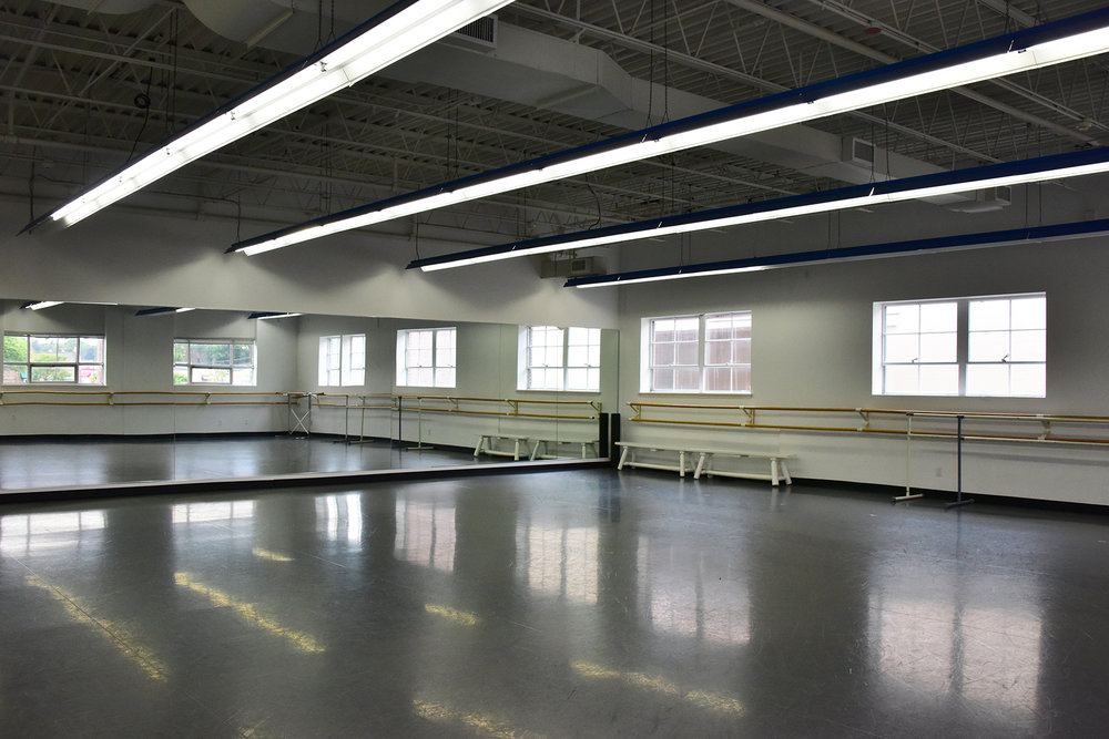 Studio A - 1640 SQ FT - Rate: $50 per hour : Sprung floor, mirrored wall, dressing rooms, bathrooms, wall mounted barres, freestanding barres, wifi access, wall mounted HD TV with DVD player, stereo with auxiliary and CD capabilities. Central heat/AC, free parking and handicap access.